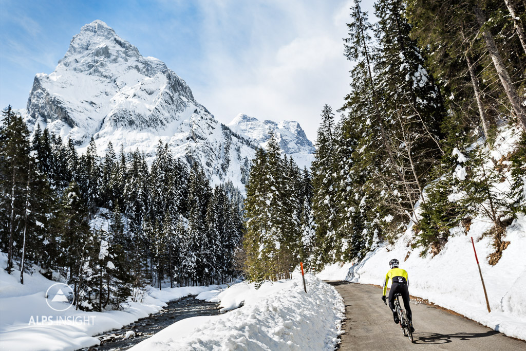 Cycling the Grosse Scheidegg: approaching Rosenlaui on a spring ride